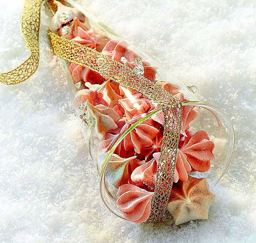 Petites meringues à la rose